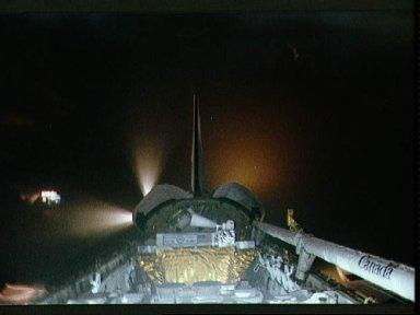 STS-39 OV-103 reaction control system (RCS) jets fire during onorbit maneuver