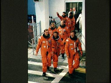 STS-47 crew leaves KSC's O and C Building on their way to Launch Complex 39